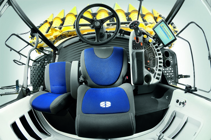 New Holland CX Tier4B 2016 kabina Nowa generacja kombajnów NEW HOLLAND serii CX